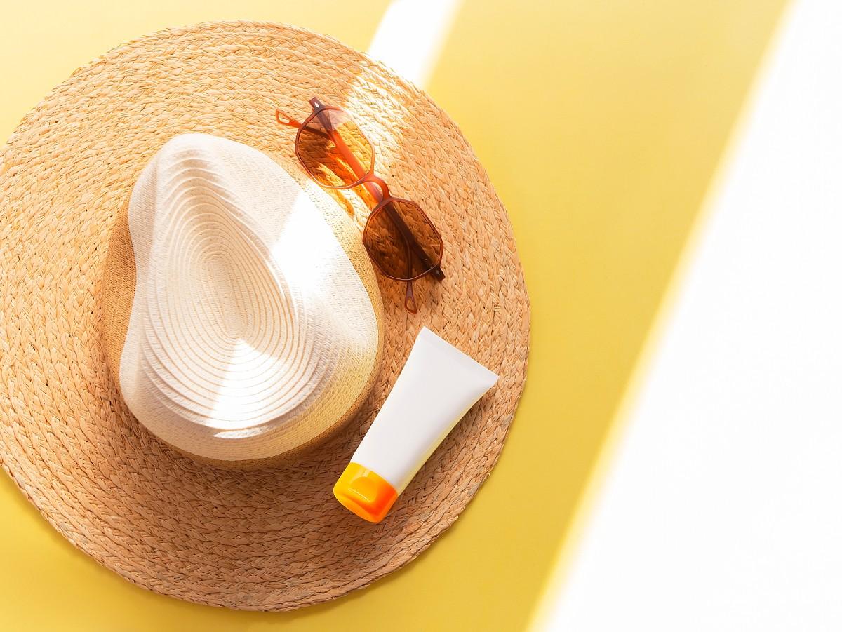 kapelusz i krem